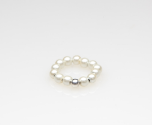 White beaded stretch pinky/toe ring with silver ball accent