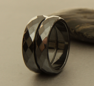 Thick Beveled Magnetic Band Ring