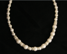 White and Crystal Graduated Magnetic Necklace