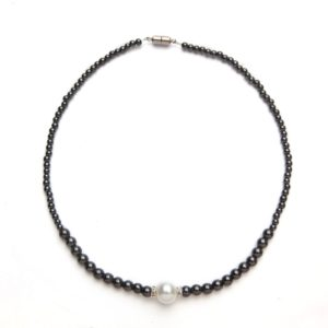 Black and White Magnetic Beaded Necklace