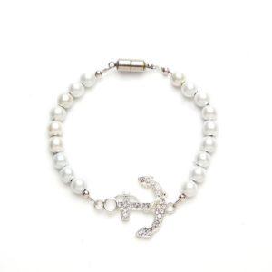 Crystal White Anchor Magnetic Stretch Bracelet