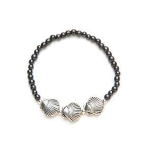 Black Seashell Magnetic Stretch Bracelet