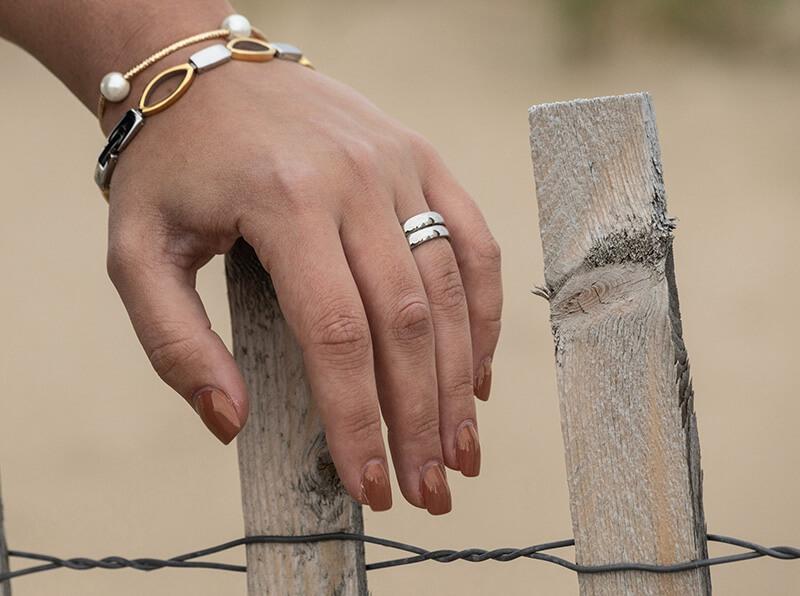 Bracelet for snow fenceB70A2948 (1)